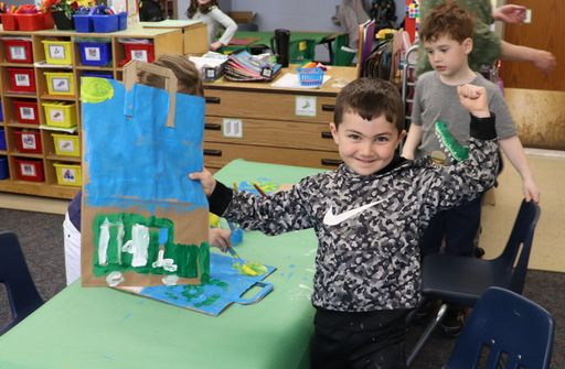 Simsbury Kindergartners and Fitzgerald's Foods Team Up to Help the Earth