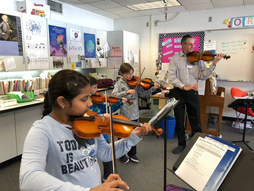 Guest Teaching Artists Hold Elementary Strings Clinics